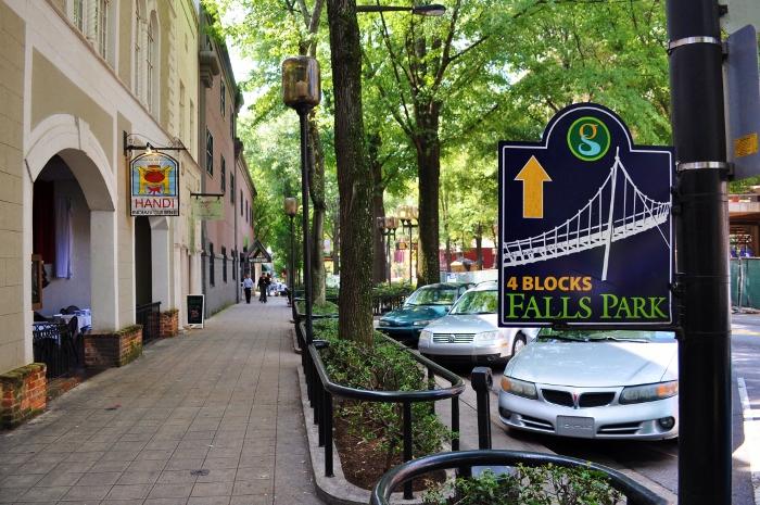 falls-park-signage (700x465)